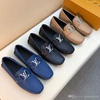 vestido clásico de los hombres al por mayor-Top luxury 2018 nuevos zapatos de vestir de diseñador para hombre Cuero genuino Metal snap Peas Zapatos de boda Moda clásica Zapatos para hombre mocasines de gran tamaño