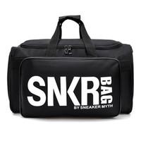 ingrosso sacchetti da palestra-Nuova borsa da viaggio di design SNKR 19ss Borsa da donna di design da uomo nero Borsa da viaggio di grande capacità bianca da viaggio