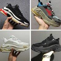 zapatos de ascensor casual de los hombres al por mayor-¡Caliente !! 2019Triple S Shoes Hombre Mujer Zapatilla de deporte Colores mezclados de alta calidad Talón grueso Abuelo Papá Trainer Zapatos casuales de triple s con zapatos con elevador