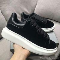 partiler erkekler için başında toptan satış-En Lüks Tasarımcı Ayakkabı Bayan Erkek Eğitmenler Beyaz Siyah Deri Platformu Ayakkabı Düz Rahat Parti Düğün Ayakkabı Süet Sneakers
