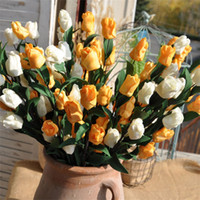 tulipas brancas artificiais venda por atacado-Um Ramo 6 Cabeças Tulipa Falso Amarelo Flor De Seda PE Flores Artificiais de Leite Branco Mobiliário Doméstico Sala de estar Decoração 2 5alb1