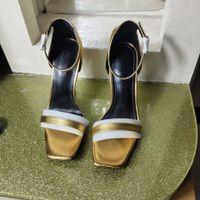 ingrosso modello di lusso sexy-Sandali di moda stile classico europeo di lusso Sandali Pantofole di moda Sandalo modello lettera sandalo sexy Cucitura e realizzazione di fibbie per cintura