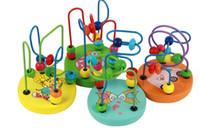 ingrosso giocattoli di sviluppo precoce-Giocattolo di legno Mini perline rotonde colorate Gioco di labirinti a filo Gioco educativo Cerchio Perlina Giocattoli di sviluppo iniziale (Colore casuale)