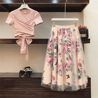rosa tüllrock frauen großhandel-Neue 2019 Runway Pink 2 Stück Set Frauen Süße Bowknot Unregelmäßige Crop Top Baumwolle T-Shirt + Mesh Floral Tüll Lange Röcke Anzüge C190416