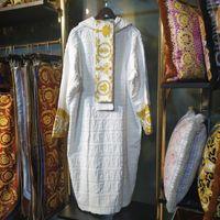 nacht roben frauen großhandel-Designer Brand Schlaf Robe Unisex Baumwolle Nacht Robe hochwertige Bademantel Mode Luxus Robe atmungsaktive Frauen Kleidung klw1739