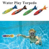 erkek çocuk havuzu toptan satış-4adet açık plaj Havuz Suyu oyuncakları Dalış torpido yaz aylarında çocuklar erkek kızlar için oyuncaklar köpekbalığı Komik oyuncaklar atma