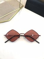 Wholesale triangle case for sale - Group buy new Sunglasses Fashion Women triangle Deisnger Popular Full Frame UV400 Lens Summer Style diamond Frame Top Quality Come With Case