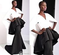 miss rose robes achat en gros de-Modest Noir et Blanc Robes De Soirée Formelles Sirène Satin Manches Courtes Peplum V Cou 2019 Miss USA Pageant Celebrity Robe Robes De Bal