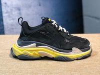 sapatos femininos da primavera venda por atacado-Paris 17FW Designer de Moda de Luxo Mulheres Sapatos Pai Sapatos Triplo S 17FW Tênis para Mulheres Dos Homens Casais de Rua Primavera Casais Chaussures Sapatos de Papai