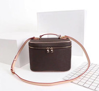Wholesale cases for makeup resale online - Fashion Bags Beauty Bag Bucket bag for women Cosmetic Case Orignal Leather women shoulder bag Tote handbags presbyopic makeup purse