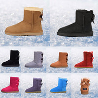botas de invierno de cuero al por mayor-¡Caliente! 2019 winter boost Australia Botas de nieve clásicas de moda WGG botas altas de cuero real Bailey Bowknot de mujer caliente Zapatillas deportivas para hombre Zapatillas para mujer 36-45