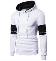tasarım hoodies ücretsiz toptan satış-Renk Raglan Kol Kapşonlu Kazak Erkekler Spor Hoodie Hoody ücretsiz gemi W26 Eşleştirme siyah beyaz renk Hoodie baskı mektup Erkekler Patchwork Tasarım