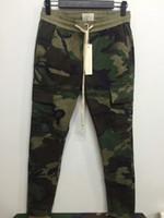 pantalón hombre china al por mayor-Nuevo S-2XL ropa de marca urbana pantalones de camuflaje de camuflaje de camuflaje chino de kanye west hombres FOG FEAR OF GOD pantalones con cremallera lateral de carga