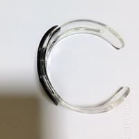 textura acrilica al por mayor-4.2 CM en blanco y negro de acrílico Transparente textura pulsera moda C Carta pulsera de la colección de las señoras pulsera accesorios 2 unids / lote