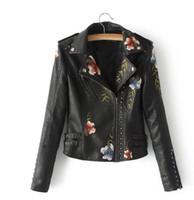 kızlar sahte deri ceket toptan satış-İşlemeli Perçin Deri Ceket Kadınlar Çiçek Punk Ceket Motosiklet PU Deri Perçin Fermuar Coat Kızlar Sahte Deri Giyim GGA3026