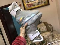 denimstiefel für männer großhandel-2019 Self Lacing Screen Designer Schuhe Air Mag Zurück in die Zukunft McFly LED Sneakers Markenmode Herren mcfly Luxury Grey Boots MAGS