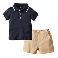 ropa de chicos guapos al por mayor-0-5 años ropa de los bebés varones conjunto polo camisa + pantalones cortos 2 unids niños chico guapo traje niños trajes de verano casual