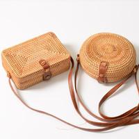 bolsas de playa para la venta al por mayor-INS Hot Sales Handmade Diseñador Bolso para Mujeres Tejidas Crossbody Bolsos Cuadrados de Ratán Retro Hebilla Literaria Playa Mensajero Monedero Diseñador