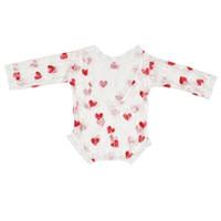 fotos de amor de bebe al por mayor-Baby Lace Romper Foto traje lindo fresa corazón amoroso Patrón de flor sheerness onesie recién nacido apoyos de la foto