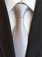 gravatas verdes prateadas venda por atacado-Novos Acessórios de Moda Gravata de Alta Qualidade 8 cm Laços dos homens para o Casamento de Negócios Terno Ocasional Preto Vermelho Amarelo Verde Marinha Prata