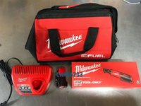 ingrosso kit 48-Milwaukee 2457-21 m12 Cordless 3/8 litio Ratchet Battery Kit 1.5 48-11-2401- Visualizza titolo originale