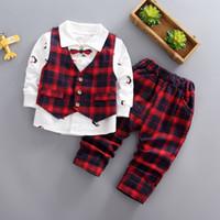erkekler için rahat yelek toptan satış-Kalite 2019 ilkbahar sonbahar çocuk boys resmi giyim setleri ekose yelek + papyon gömlek + pantolon çocuk bebek giysileri rahat takım elbise