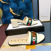 sandalias de mejor diseñador al por mayor-2020 Nuevas sandalias de mujer Zapatillas de mujer CON CAJA Diseñador de lujo caliente estampado de flores chanclas de playa unisex zapatillas MEJOR CALIDAD