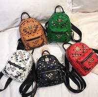 zig zag baskı sırt çantaları toptan satış-Çift Omuz Moda Çanta 2019 Yeni Kadın Yüksek Kalite Perçin Moda Klasik Baskılı Süper Mini Sırt Çantası Seyahat Çantası