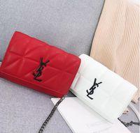 sac de perles blanc achat en gros de-Nouvelle marque célèbre sacs de messager femmes petite chaîne crossbody sacs femmes mode sac à bandoulière perle sac à main 2019 Rouge Blanc noir