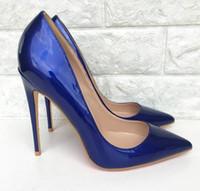 bombas de color azul damas al por mayor-Tacones altos azul Mujeres Punta estrecha Tacones altos Brillante Charol Stilettos Damas Color sólido Bombea los zapatos Azul marino Tacones de aguja