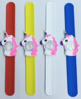 gummischlauch uhr großhandel-Neue 3D Cartoon Unicorn Slap Uhr Kinder Kinder Jungen Mädchen Unicorn Gummi Armbanduhr Kinder klatschen Uhr Geschenk Party Kinder Uhren