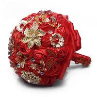 bouquets de mariée en porcelaine achat en gros de-Chine Style Rouge Satin Fleurs Bouquet De Mariée Cristal Broche De Demoiselle D'honneur Tenant Des Fleurs À La Main 2019 Bouquet Manuel