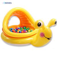 caracol amarillo al por mayor-Linda caricatura amarilla en forma de caracol de plástico PVC Con toldo ventanas Bebé piscina de bolas de océano Piscina de juegos para niños Piscina de arena para niños nadar