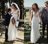 vestidos modestos elegantes venda por atacado-Elegante Sheer Mangas Compridas Fino Bainha Vestidos de Casamento 2019 Modest Lace Apliques de Praia Jardim Vestidos de Noiva Robe De Mariee