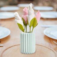 çiçek peçete tutucuları toptan satış-10pcs / Tablolar için belirlenen Bloom Peçete Tutucular Yeşil Plastik Spiral Çiçek Tomurcuklar Serviette Tutucular Artı Parti Dekor Düzenlemeler Stemmed