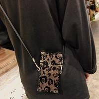 caja del teléfono correa de hombro al por mayor-Bling Cuadrado Plateado Estampado de leopardo de cuero cubierta trasera caso piel animal correa para el hombro Cáscara del teléfono con cordón largo para iPhone XS Max 6 s 7