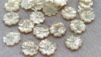 ingrosso la parte posteriore piana del fiore della perla-Perle di conchiglie di perle naturali da 20mm Conchiglie di madreperla Intagliate con petali di fiori petali con fondo piatto 6pz