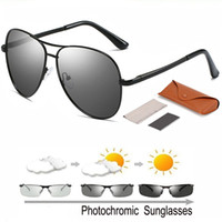óculos de sol photochromic metal venda por atacado-New Fashion Photochromic metal ao ar livre Anti-UV óculos Driving Sunglasses Moda polarizada Descoloração Sun Glasses + Caso + pano