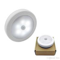 mueble de baño ligero al por mayor-Sycees movimiento la noche del sensor LED lámpara de luz, con pilas, palo en cualquier lugar de armario, gabinete, dormitorio, cuarto de baño, cocina, pasillo