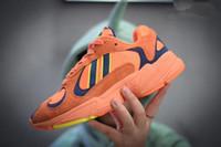 x z venda por atacado-Dragon ball Z x YUNG-1 OG GoKu homens mulheres tênis de corrida laranja roxo branco preto sapatos tênis esportivos Kanye West 700