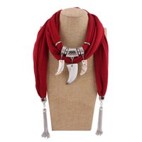 bufandas de gasa vintage al por mayor-Colgantes Collares Bufanda de gasa Mujer / Damas Nueva moda Vintage Imitación Marfil Patrón Estilo bohemio