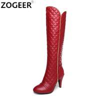 botas largas blancas de mujer al por mayor-Más el tamaño 44 diseñadores de marca a largo Botas Mujeres Moda PU suave de piel de la rodilla de las mujeres botas de alto invierno 2018 blancos rojos Calzado mujer