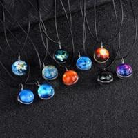 colar de céu estrelado venda por atacado-Bola de vidro luminoso Pendant artesanato casal jóias Glowing Colar da bola pingentes Sonho Starry Sky Tempo decorações interiores GGA1604