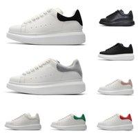 erkek modası süet ayakkabı toptan satış-Tasarımcı platformu spor ayakkabıları erkekler kadınlar lüks ayakkabı rahat yürüyüş açık eğitmen moda üçlü siyah beyaz pembe gri süet deri erkek
