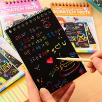 juguetes libros para niños al por mayor-La magia del arco iris de Papel de rasguño Notebook bricolaje tablero de dibujo para niños Craft Juguetes Hojas para colorear Libros para Niños Pintura Doodle