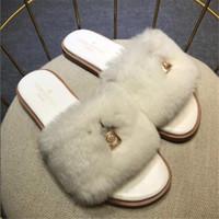 sandalet kolye toptan satış-Lady Ayaklı Flop Classic Kilit kolye Kadınlar Terlik Kış Kalınlaşmak Desen Kadın Yün Sandalet Noel Günü Hediye