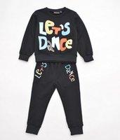 ropa antigua para niños al por mayor-2019 Conjuntos de ropa para niños Primavera otoño bebé niños Carta Impresión Chándales Moda Sudadera con capucha + pantalones 2 piezas trajes Ropa para niños 3-8 años de edad
