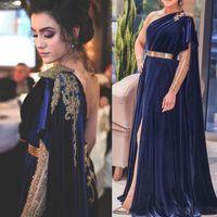 veludo dourado de azul royal venda por atacado-Cristais escuro azul real Prom Dresses Noble Ouro Sequins A Linha Velvet árabe de noite formal vestido de alta Dividir um ombro AL3174