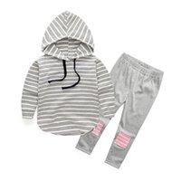 hosenjungenflecken großhandel-Babykleidung Set Herbst Frühling Mädchen Jungen Baumwolle Streifen Hoodie Tops + Patch Hosen Outfits 2 STÜCKE Sets