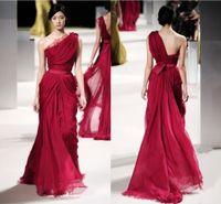 elie saab aplike elbiseler toptan satış-2019 ELIE SAAB Uzun Kırmızı Abiye Ünlü Elbiseleri Dantel Aplike Bir Omuz Backless Plise Şifon Runaway Elbise Örgün Önlük